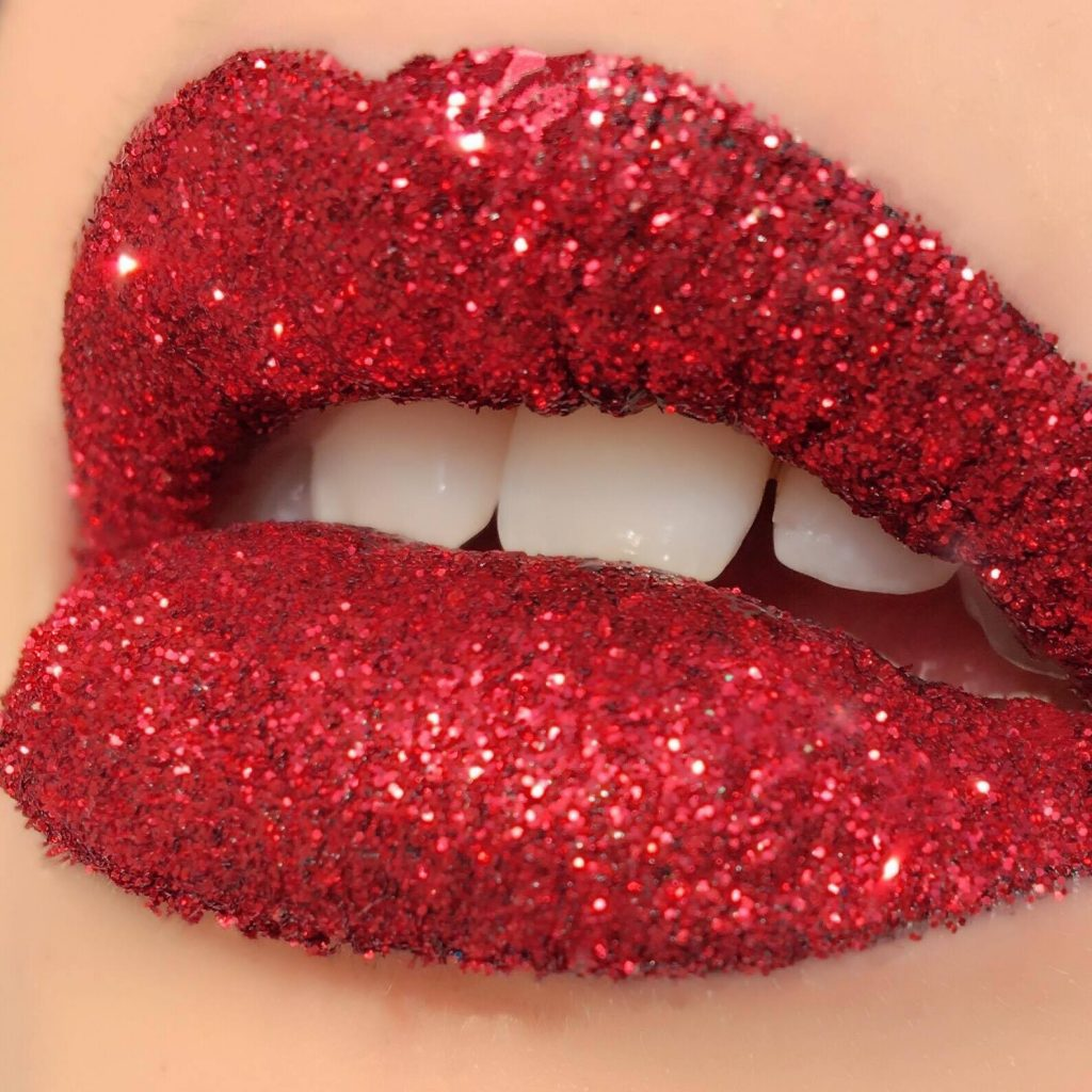 red glitter lips - Christmas party makeup